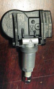 Ausgebauter RDKS Sensor (alt.Text)